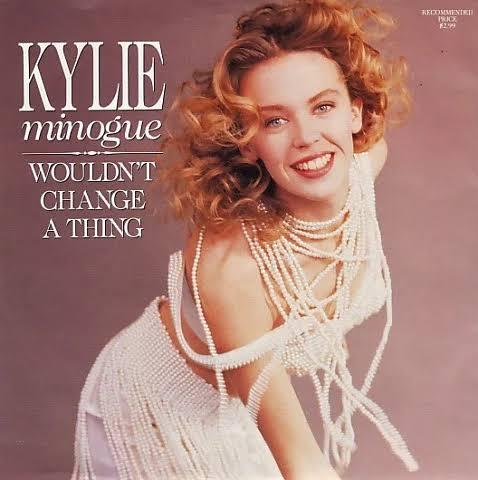 #WouldntChangeaThing foi o segundo single do segundo álbum #EnjoyYourself. O single foi lançado em 24 de julho de 1989. Líricamente a canção fala sobre a certeza do amor que se sente por alguém e que não mudaria nada.  Fofa demais!  #TercaDetremuraSDV #TercaLiberdadeNoSDVpic.twitter.com/YfXmShjICb