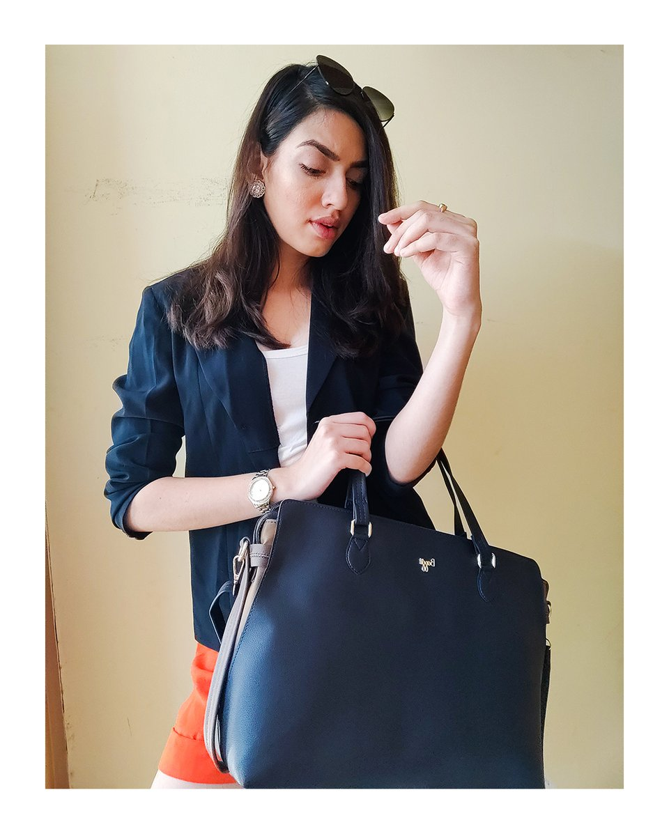 Make this trendy, laptop bag L HAMY your companion for quick coffee runs and business. This laptop bag has organized space and expandable feature to keep all your essentials, laptop and knick-knacks organized. #laptopbag #fashiontrends #MadeInIndia https://t.co/acnFLRuYng