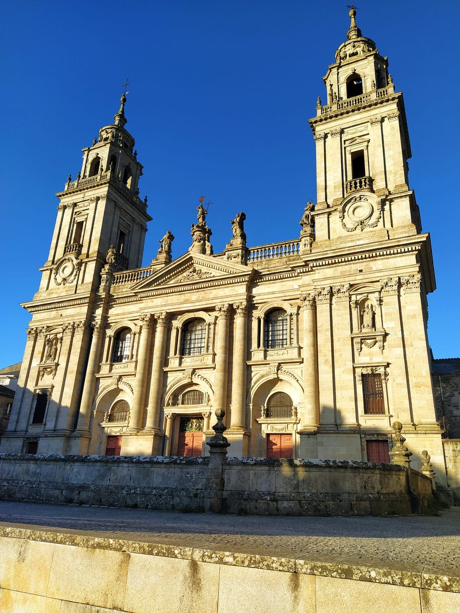 Lovely #Lugo.  #CaminodeSantiago    pic.twitter.com/Bn3OyIJYm1