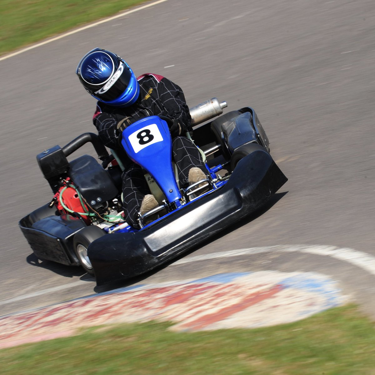 Who fancies going karting this weekend?! The Kart Centre will re-open from Fri (10th Jul). Both circuits will be open running arrive & drive sessions for adults, juniors & cadets (from 8 years-old).  Check out our new website for the latest availability: https://t.co/lH0q2Mih2h https://t.co/sP6y3shCi1