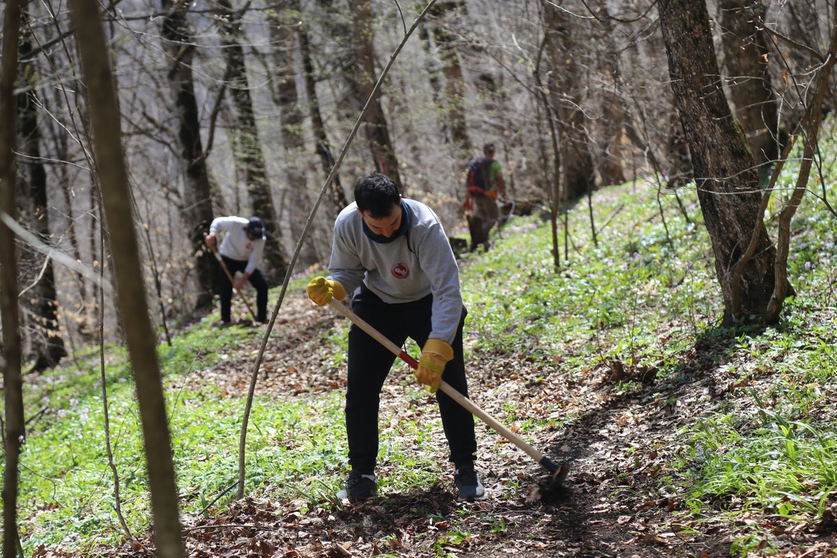 Hey hey hey👋 When was the last time you got involved in a community service project? Our volunteers are very actively participating in and supporting such initiatives. Thank you 🙏   #Armenia #Volunteer #Nature https://t.co/jFZU3ulN4a