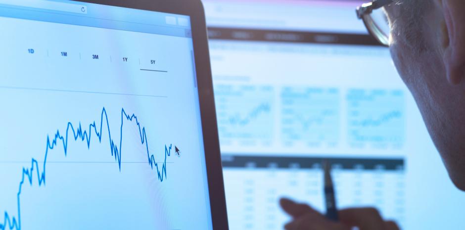 新型コロナウイルス(COVID-19)の記録的な感染拡大にも関わらず、米国時間7月6日の米国株は上昇した。すべての主要な指数が取引時間中に上昇し、その中でもハイテク株はさらに良かった。ナスダック総合株価指数は6日に過去最高値を記…