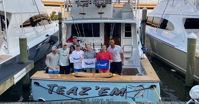 Pirates Cove, NC - Teaz'em went 2-4 on Blue Marlin and 1-3 on White Marlin.