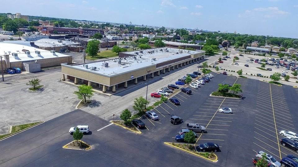 10207-10237 Grand Ave., Franklin Park, IL 60131 #FranklinPark #Illinois #CRE @Colliers #Retail #StreetRetail https://t.co/3YsgKu7nrX https://t.co/nqbpCGuApA