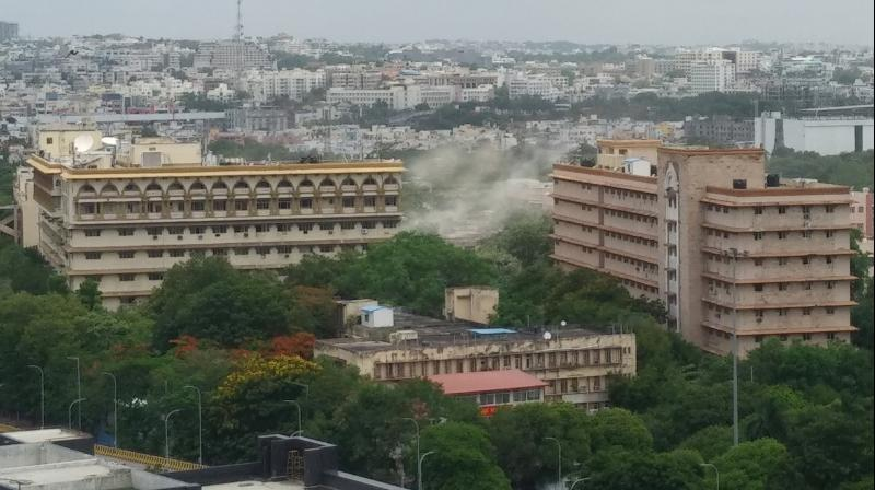 KCR pulled down secretariat buildings because @TelanganaCMO doesn't want any trace of Andhra remaining.   @ysjagan abandoned Amaravati because he doesn't want to give any credit to @ncbn.   Like medieval rulers, they want history to begin from their era. pic.twitter.com/I3zgh7ZsB5