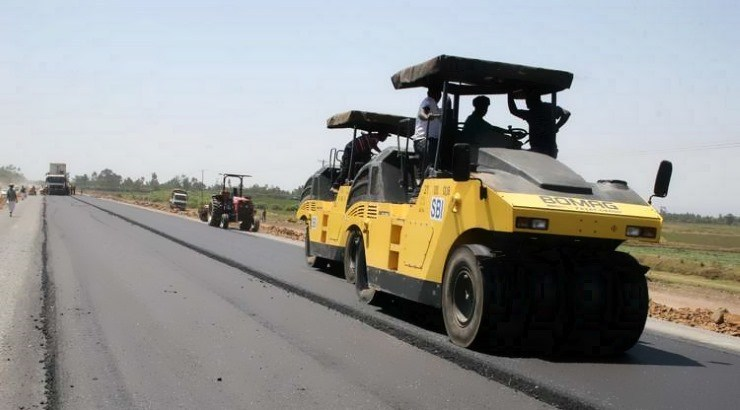 FACT: The construction of Tanzania's Dodoma City Outer Ring Roads is expected to be complete in 2024.  The 110.2km road is largely funded by the African Development Bank (AfDB) at a total cost of $216m.  The road will easily connect Tanzania to Rwanda, Uganda, DR Congo & Burundi. <br>http://pic.twitter.com/LaZ9j4lyuD