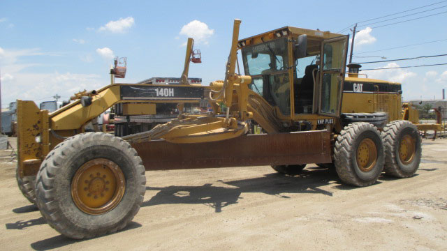2006 #Caterpillar 140H CCA02021 #Motorgrader For Sale in Houston, TX, USA.  Price: $ 74,500  Hours: 15,330 Erops A/C Low Profile Pushblock Side Shift Tip Control Variable Horsepower Engine Enclosures Slipclutch Blade Float.  https://bit.ly/2Z5DBXU  Houston, TX, USA | $ 74,500pic.twitter.com/no9vR8OJhP