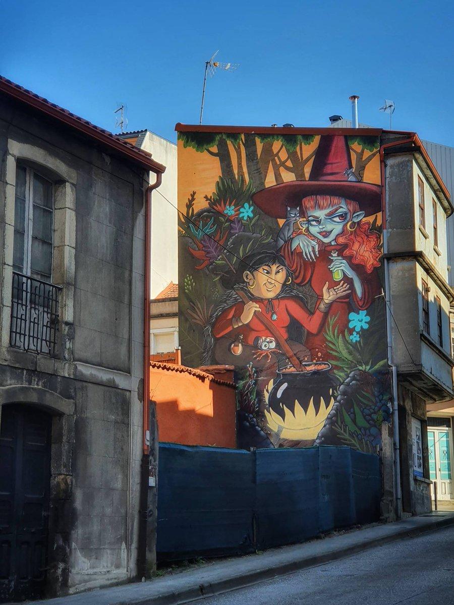 Replying to @MurosDerrubando: Bo día #Carballo #derrubandomurosconpintura #rexenerafest #streetart #art #graffiti #urbanart #streetphotography #graffitiart #artist #photooftheday #urban #streetstyle #instagood #artwork #travel #painting #mural #picoftheday #walla…