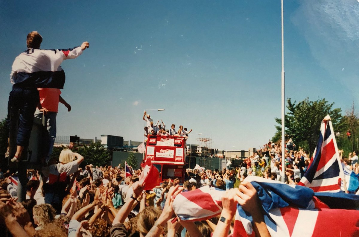 #OTD 30 years ago, we got up ridiculously early after another baggy one at #Hulls Silhouette Club to head down to Luton to welcome the boys home. Still cant believe Carmo managed to drive us there (given the night before!) but Im so glad he did... #ThreeLions 🏴 #Italia90 🇮🇹