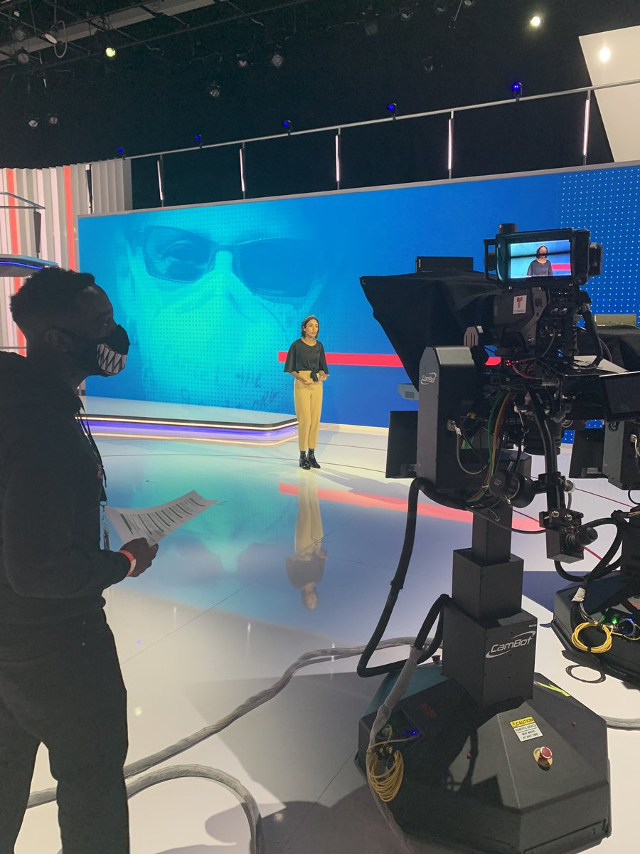 """This my focused on set look....or is it my """"damn im hungry look"""". Maybe its the shark face mask lol #directorthoughts #setlife pic.twitter.com/gcfFwB11oq – at Telemundo Studios / NBC Universal"""