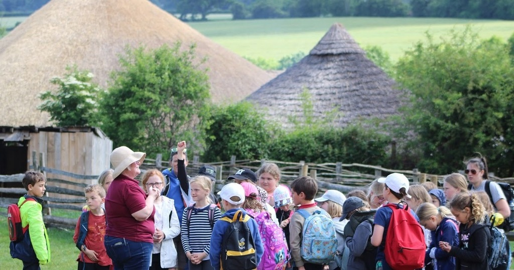 """Are you learning all about #history but need a little support? You can now """"Ask Buster."""" @butserfarm are providing free support to anyone learning about Prehistory, Romans & Medieval history.   #LearnAtHome #FreeResources #support  … https://ift.tt/3dxOpD9pic.twitter.com/A6cmU3ZZ0s"""