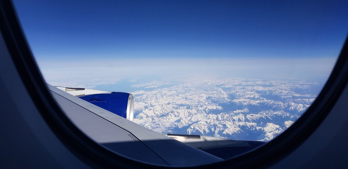 My #wingwednesday contribution. The Canadian Rockies visible from @British_Airways #A380 G-XLEC en route to @yvrairport.pic.twitter.com/YSWd3oosvV