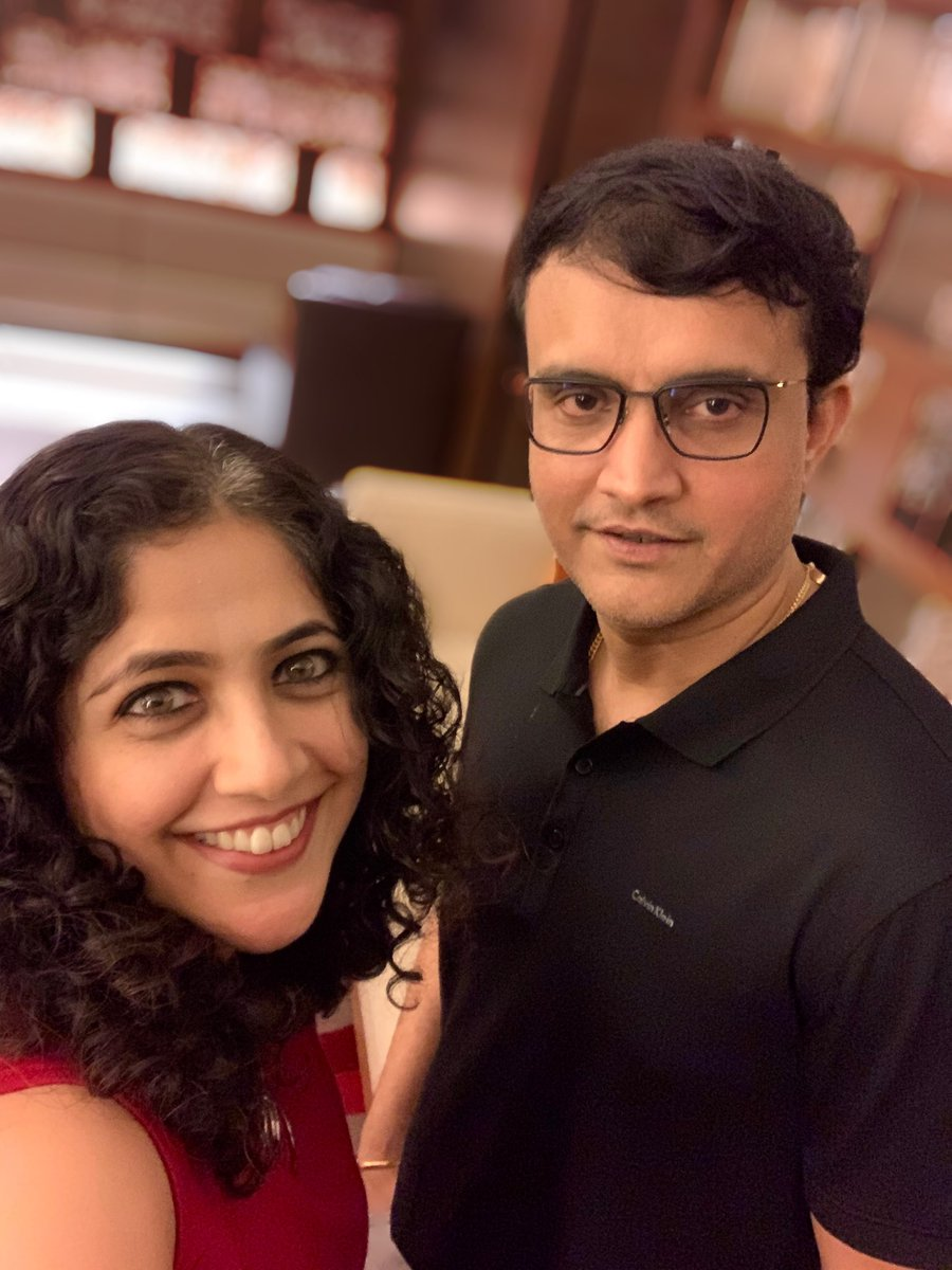Happy Birthday Dada @SGanguly99.  May we meet again soon and finally start working on your film! <br>http://pic.twitter.com/QnEtMD32mi