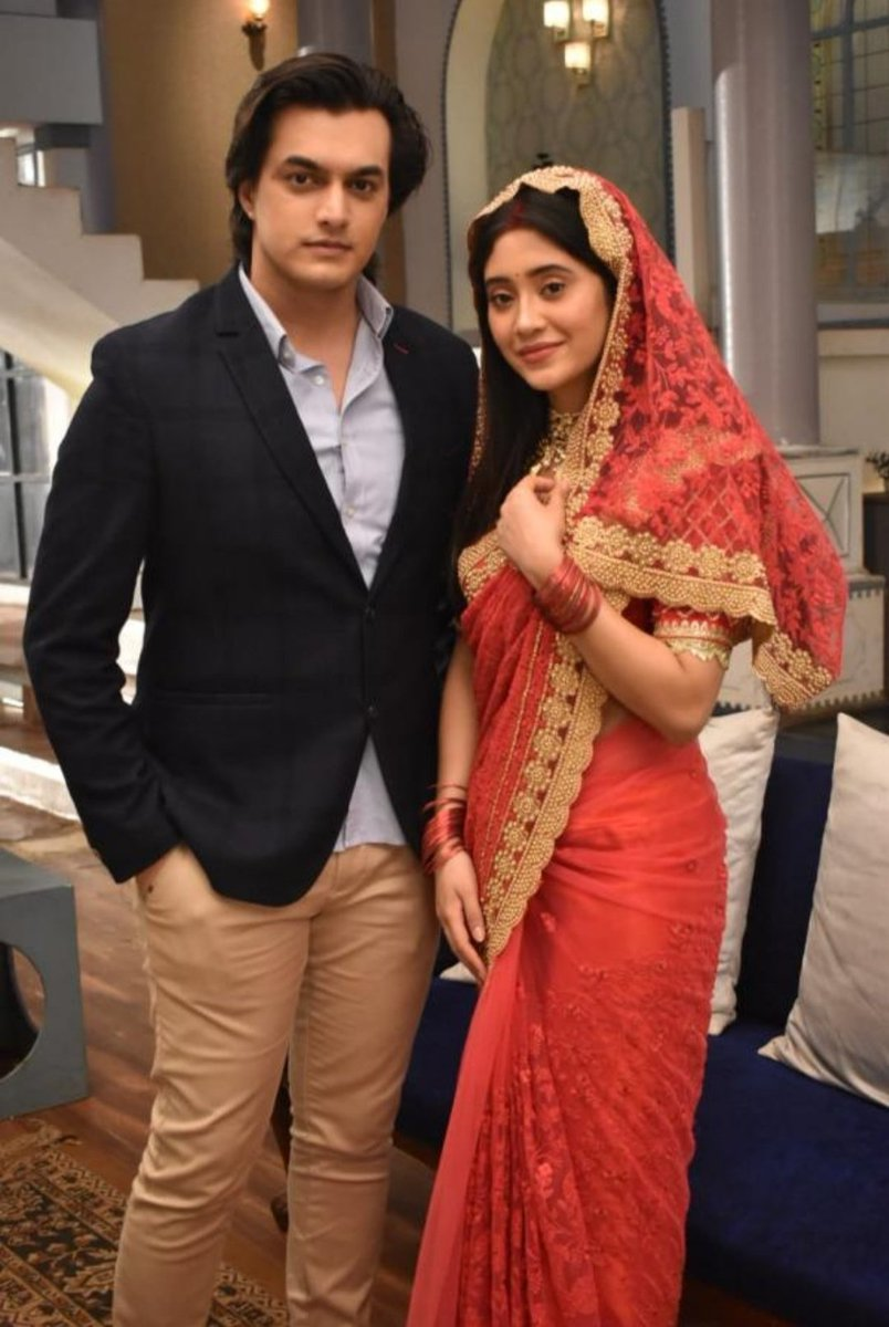 Finally a full pic without any watermark  They look so so gorgeous  Can't wait fr 13th #yrkkh #kaira #Shivin<br>http://pic.twitter.com/JnIs8yihqB