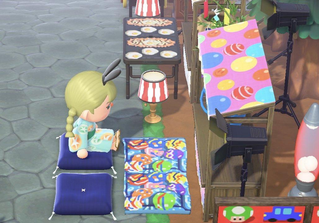 ラストはヨーヨーの屋台🎈 座ったらすくってるように見える?かな? ビーチタオルにリメイクしてます マイデザイン配布してます  #どうぶつの森 #AnimalCrossing #ACNH #NintendoSwitch #マイデザイン #あつ森写真部
