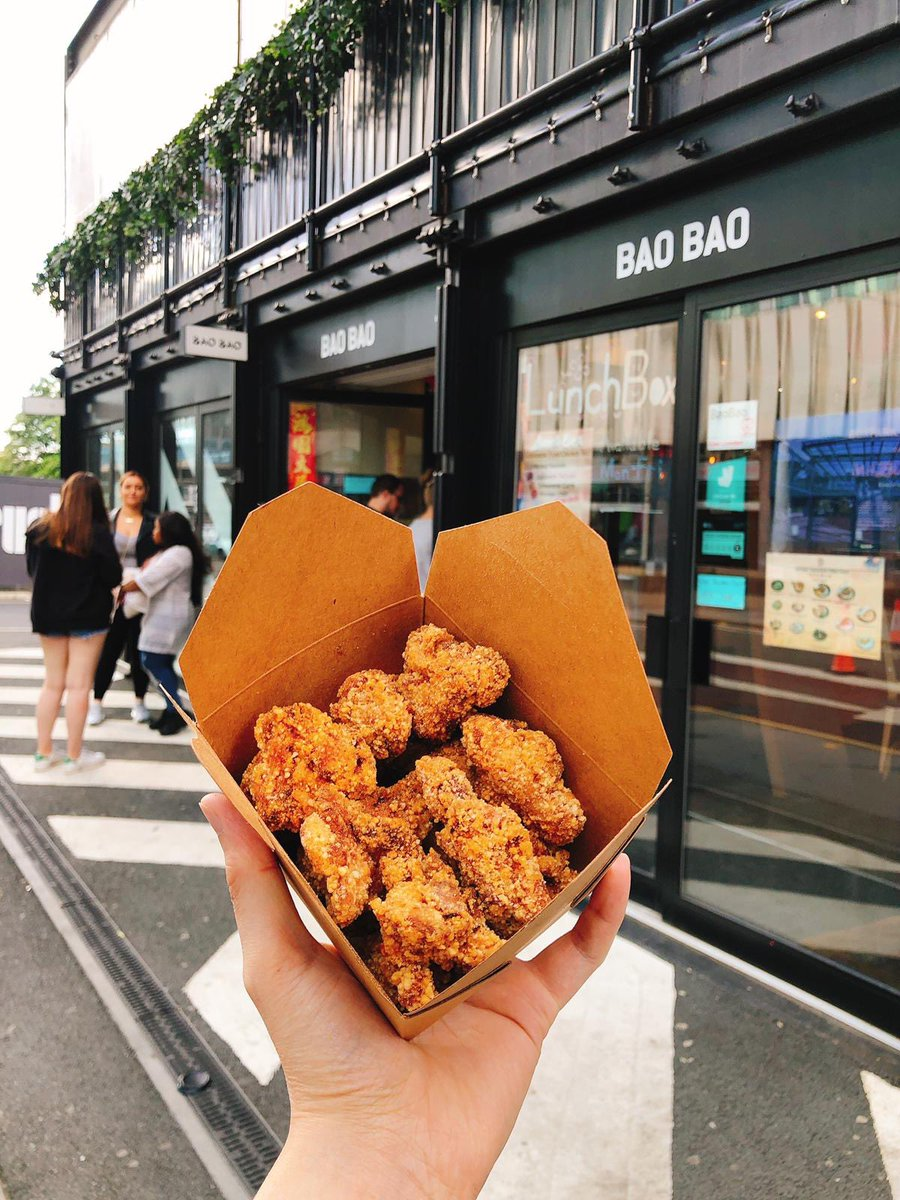 A box of fried chicken is a welcome dish for any Wednesday! @BoxparkCroydon https://t.co/l83NQ8EWMY