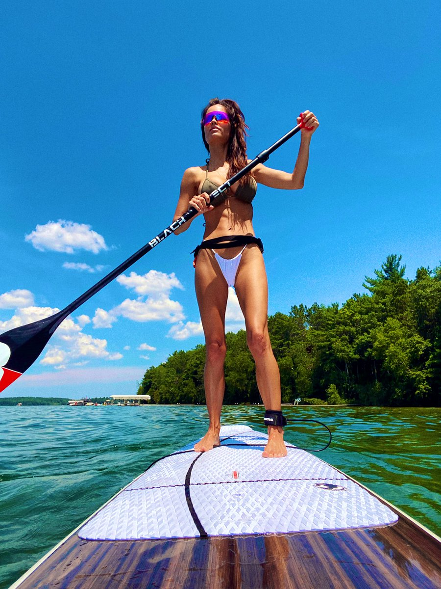 Same but different.  Trying out new gear for a great Michigan company. #productdesign #paddle  #standuppaddleboarding #michigan #wednesdaymorning #outdoorliving #WomensHealth #ONEOFAKIND #productphotography #HumanPilot #BusinessWomanpic.twitter.com/qnsXhftV85