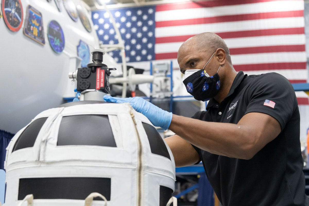 Crew 1 astronauts – NASA's @VicGlover, @Astro_illini, & Shannon Walker, plus @JAXA_en's @Astro_Soichi -- continue training on @space_station systems in preparation for the first operational Crew Dragon launch later this year. Keep up with @Commercial_Crew: https://t.co/dlyBoUlfEN https://t.co/d0locyEaZk