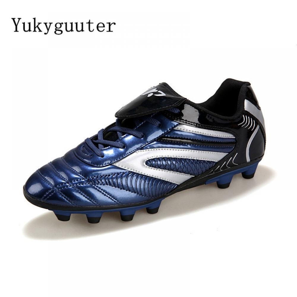Men Football Soccer Boots Athletic Soccer Shoes #foot#footballmemes e #soccercleats http://footballstoreonline.com/product/men-football-soccer-boots-athletic-soccer-shoes-2018-new-leather-big-size-high-top-soccer-cleats-training-football-sneaker/ …pic.twitter.com/LZyDOFa7N8