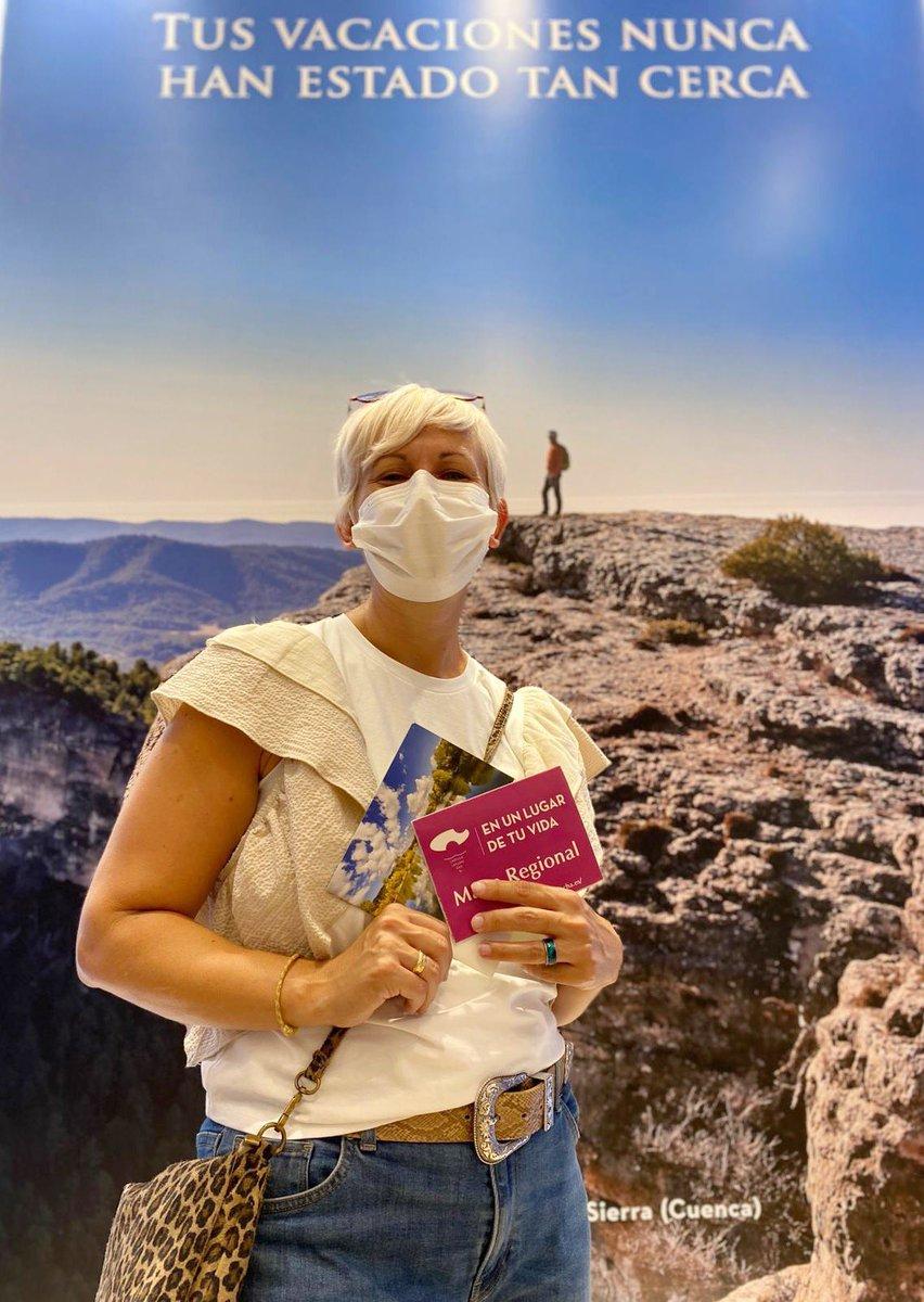 Nuestros visitantes siguen apostando por #CastillaLaMancha. Aquí van algunos de los que nos han preguntado por #Cuenca y su #serranía. Al fondo con el #MontePicayo que tiene una subida y vistas impresionantes. #turismo #vacaciones #turismorural #cercadeti @turismoclm @gobjccm https://t.co/cn87RcfEnv
