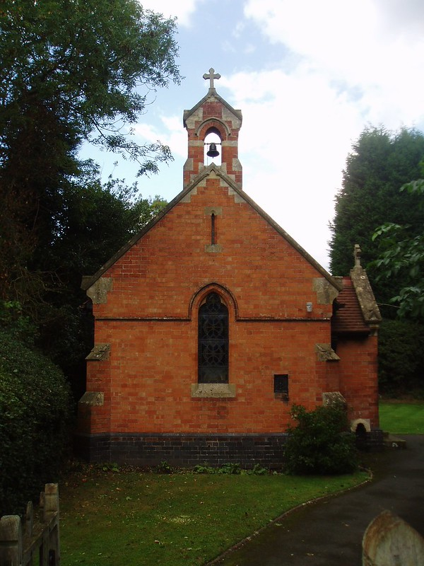 The little church itself was built in 1980 by W. Davis of Birmingham, and has the pleasing simplicity of an #ArtsandCrafts church - although I suppose it would really be classed as Gothic Revival. It's a fine line, isn't it? All images: Aidan McRae Thomson 3/3 pic.twitter.com/Mg4Czjxhpr