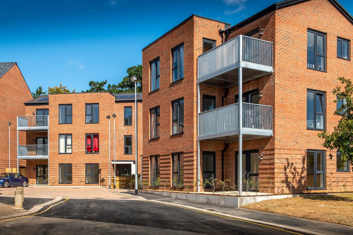 We are looking for an innovative and people-focused Head of Housing Management. Could that be you?   Find out more about the role and apply here: https://bargrli.webitrent.com/bargrli_webrecruitment/wrd/run/ETREC106GF.display_srch_all?WVID=9750140lNr…pic.twitter.com/rdKvrvBDWR