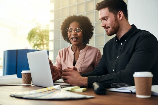 Check out five examples of how blending #data from #finance and #HR can provide business leaders with unique insights: via @OracleHCM https://t.co/w1JraxUgcv https://t.co/BzafIhwp01