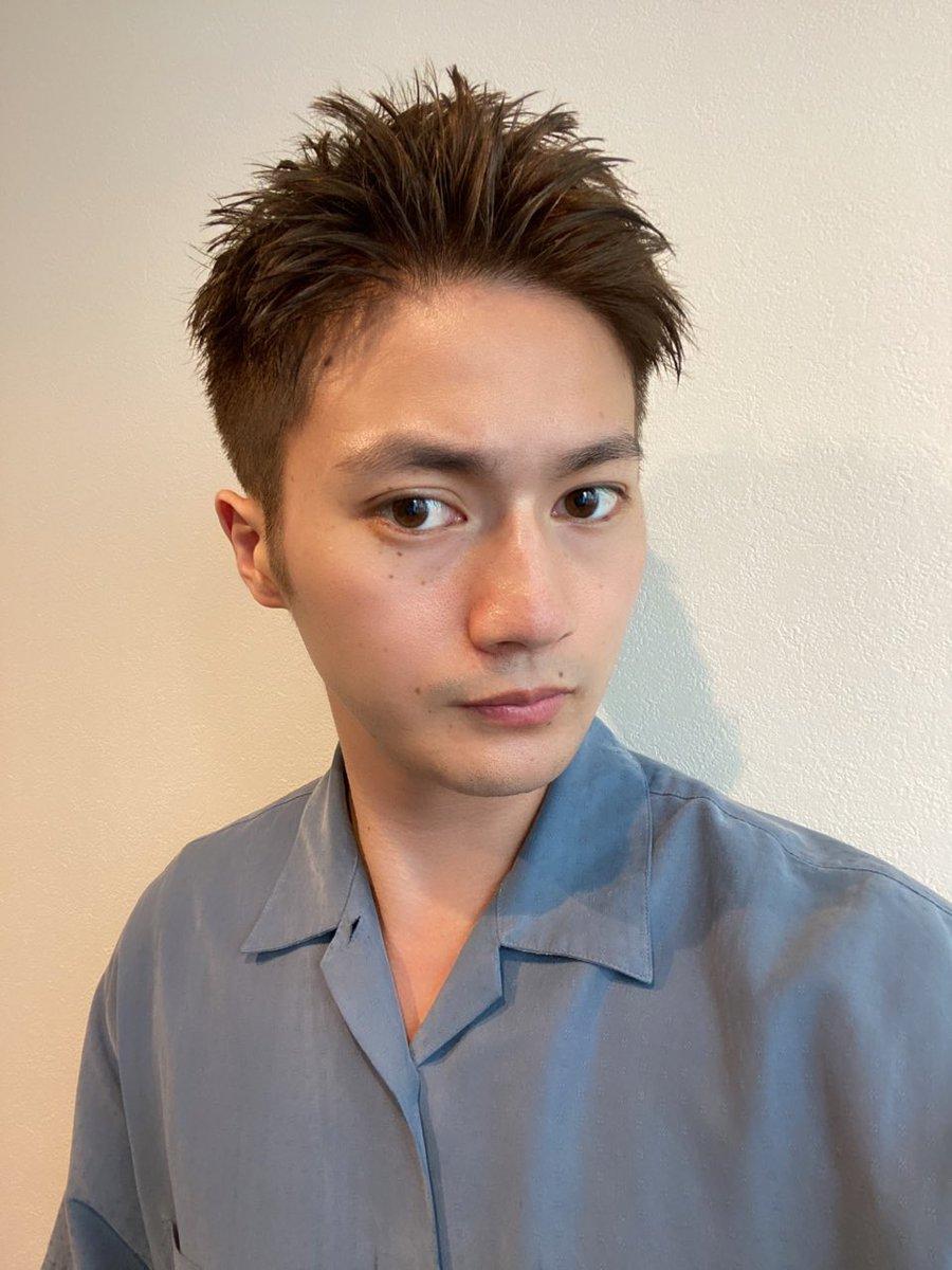 仕事で髪の毛を切りましたよっと✂️夏は短髪が一番ですわ☀️