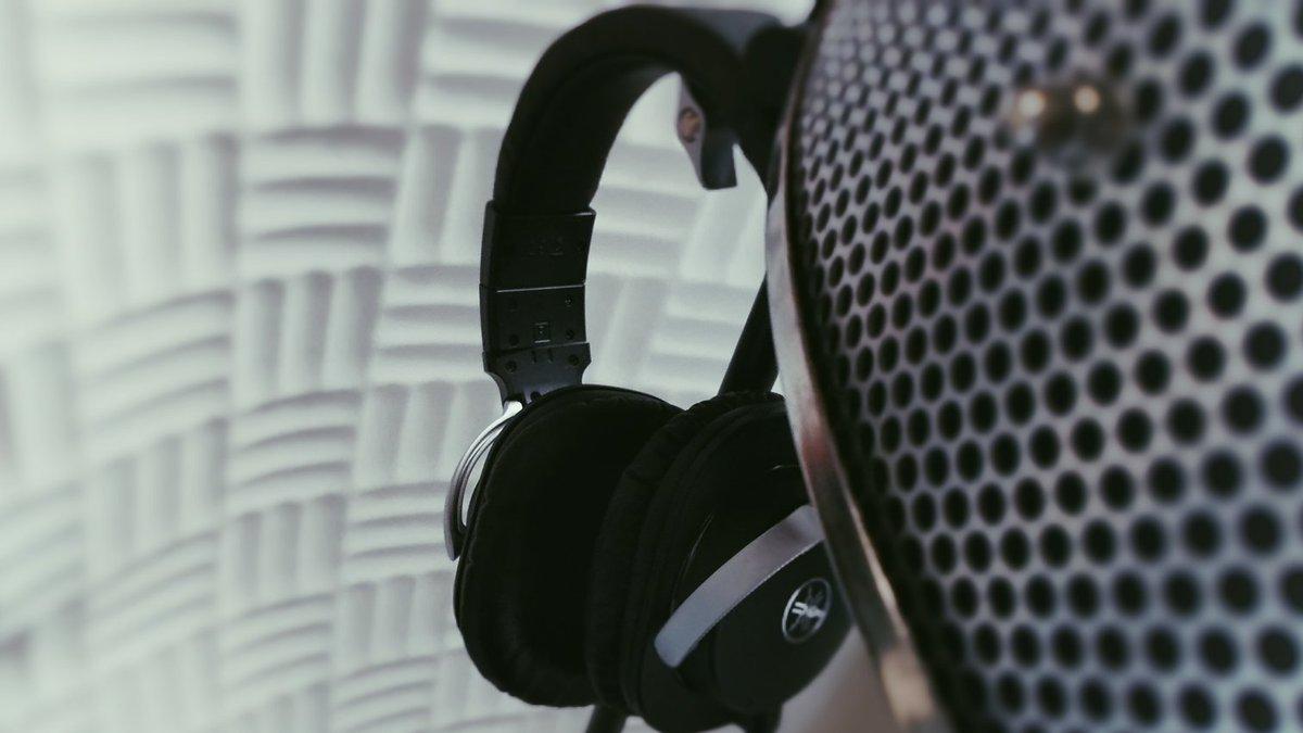 2021年に出す新曲のレコーディング続々やってます🤘🤘Vocal recording for 2021🤘🤘