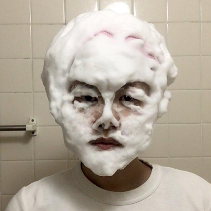 洗顔ものまね①レオナルド・ディカプリオ ②ケイト・ウィンスレット