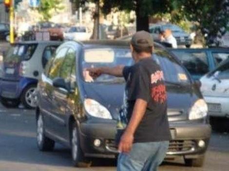 Posteggiatore abusivo catanese aggredisce i poliziotti, ai domiciliari - https://t.co/lKSkcxGklu #blogsicilianotizie