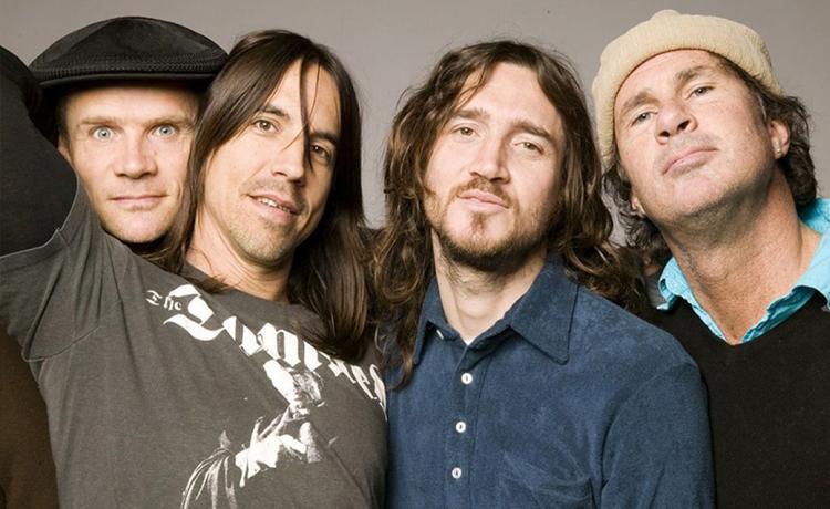 Red Hot Chili Peppers, Angel Olsen, Puscifer, Foals, Deftones, alt-J y Faith No More forman parte del avance de cartel del @madcoolfestival 2021: https://t.co/gcPDQiWsQU https://t.co/3TwtoRlcDu