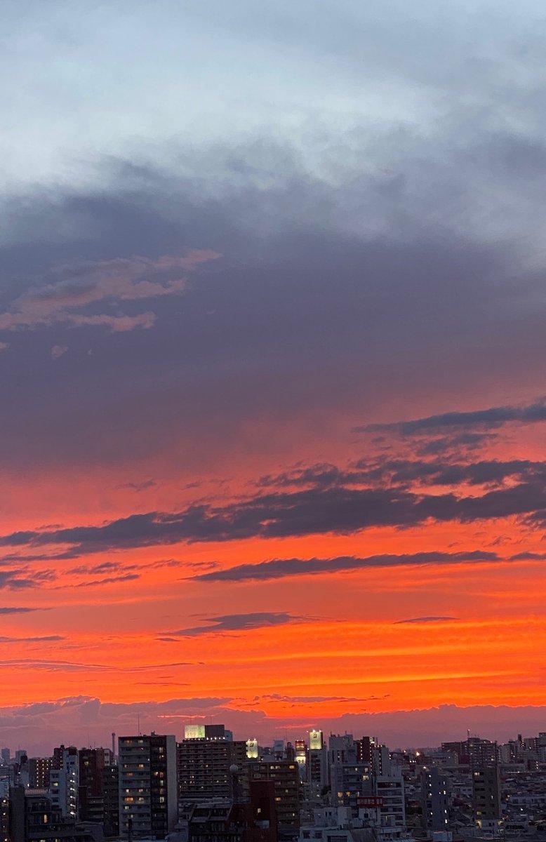 たった今撮影した今日の夕焼け。ホントに綺麗でした。