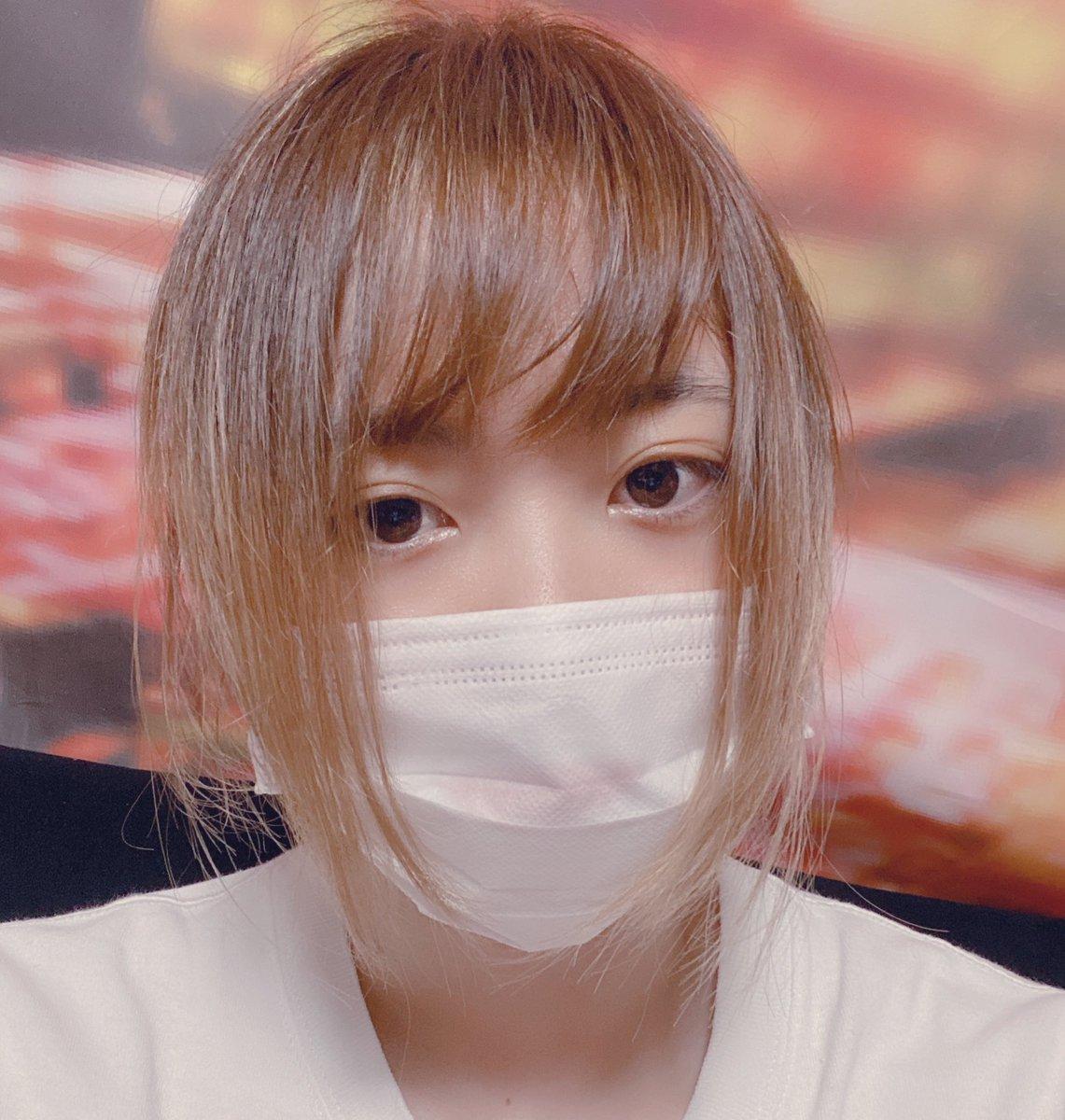 小川さんに会いに来たのにいなーい。泣マスクの上に加工入るのやめてー。笑