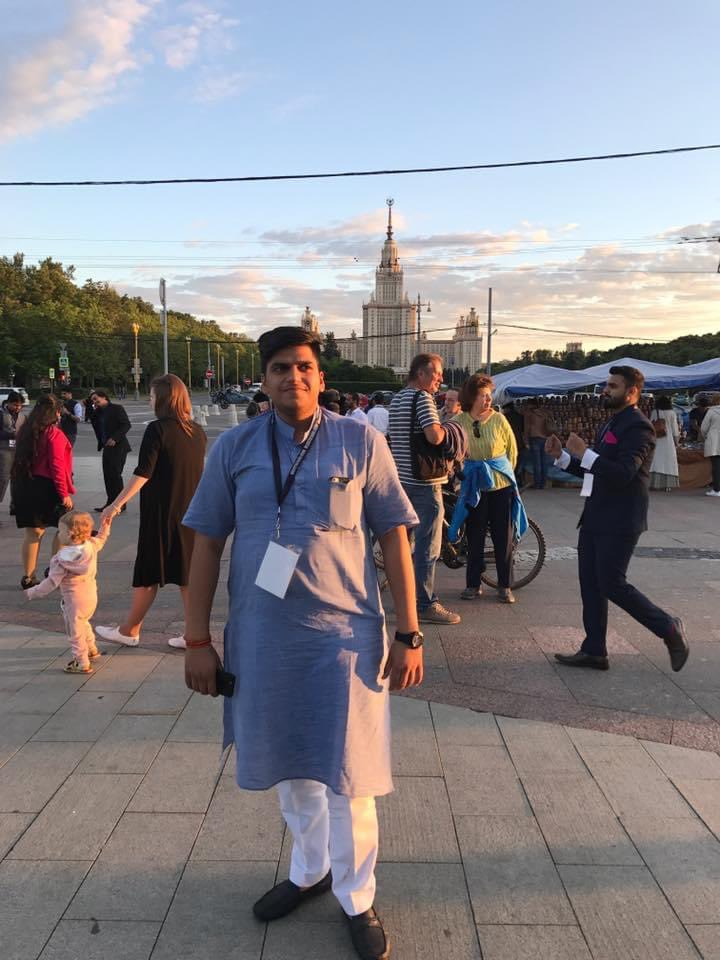 Did someone say #KurtaTwitter  Felt good, #Russia #Moscow pic.twitter.com/pacoGzgFnO