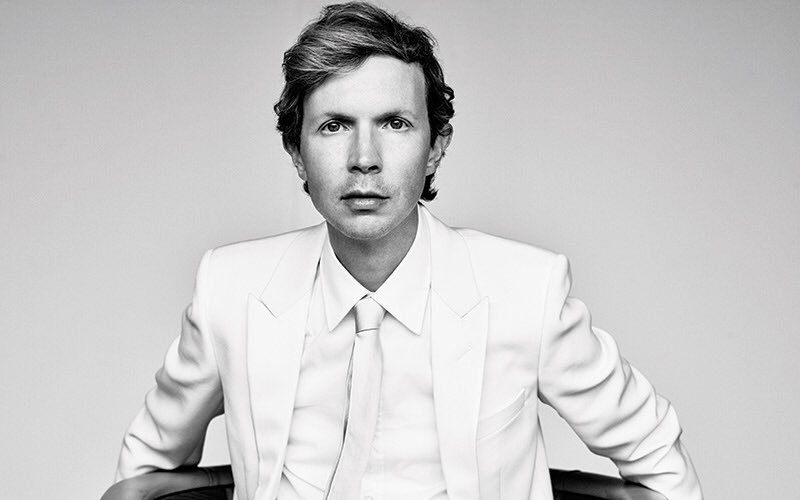 A propósito de gente que no envejece: Beck cumple hoy 50 años https://t.co/tdGF3XYgMd