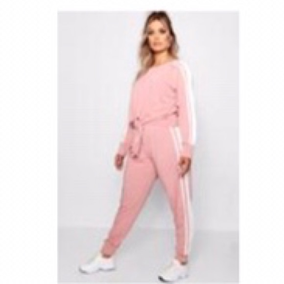 So good I had to share! Check out all the items I'm loving on @Poshmarkapp #poshmark #fashion #style #shopmycloset #boohoo #fashionnova #billabong: https://posh.mk/gaapXZKHe3pic.twitter.com/F822TSeBZ1