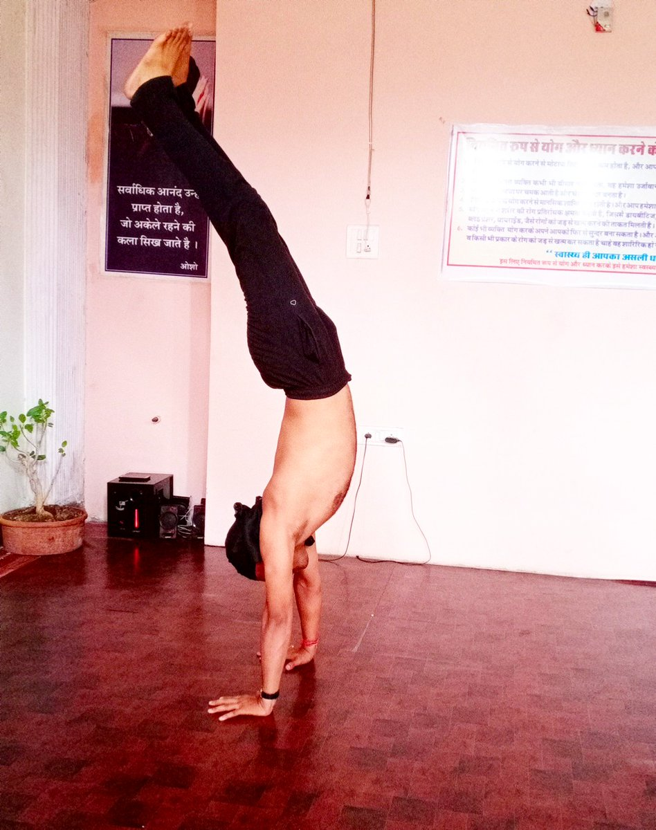 #yoga #yogaforall #yogapractice #handstanding #fitbody #HealthyLiving #healthymindpic.twitter.com/FwsTCKosBJ