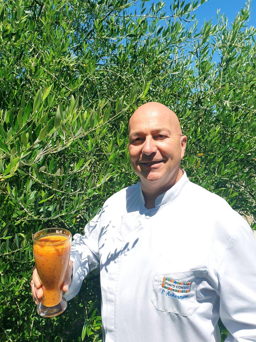 Cocktail fruits de saison validé, pour brunch dominical... nectarine, pêche, melon, citron jaune, gingembre... #boisson #detox #energie #vitamine #chef #cuisine #patisserie #recette #cocktail #brunch #famille #amis #detente #relax #nature #parc #Ilovemyjob http://www.piwisconseil.compic.twitter.com/xewDd9GSO4