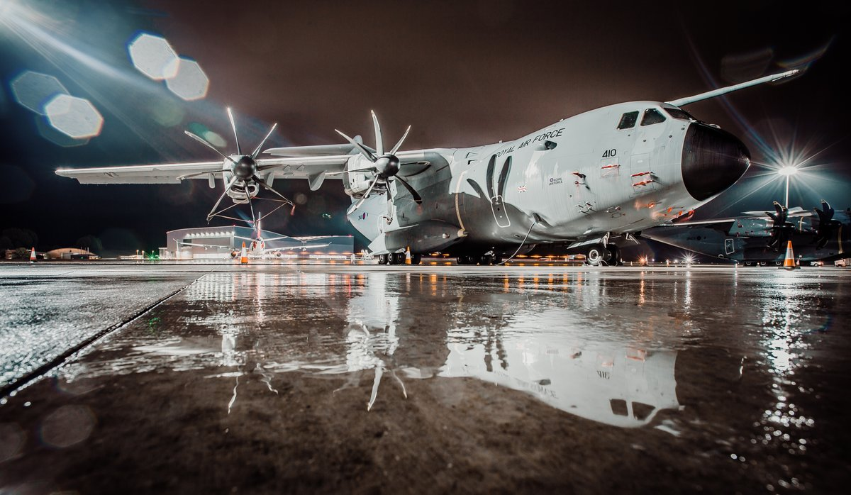 A @LeadershipNext1 @AirbusDefence A400M sleeping soundly in front of Atlas HQ.  A rather wet dispersals at @RAFBrizeNorton made for a photographers delight last night :) ....  🇬🇧✈️ @70SqnA400M / @24SqnRAF https://t.co/3QuCQ6mgIZ