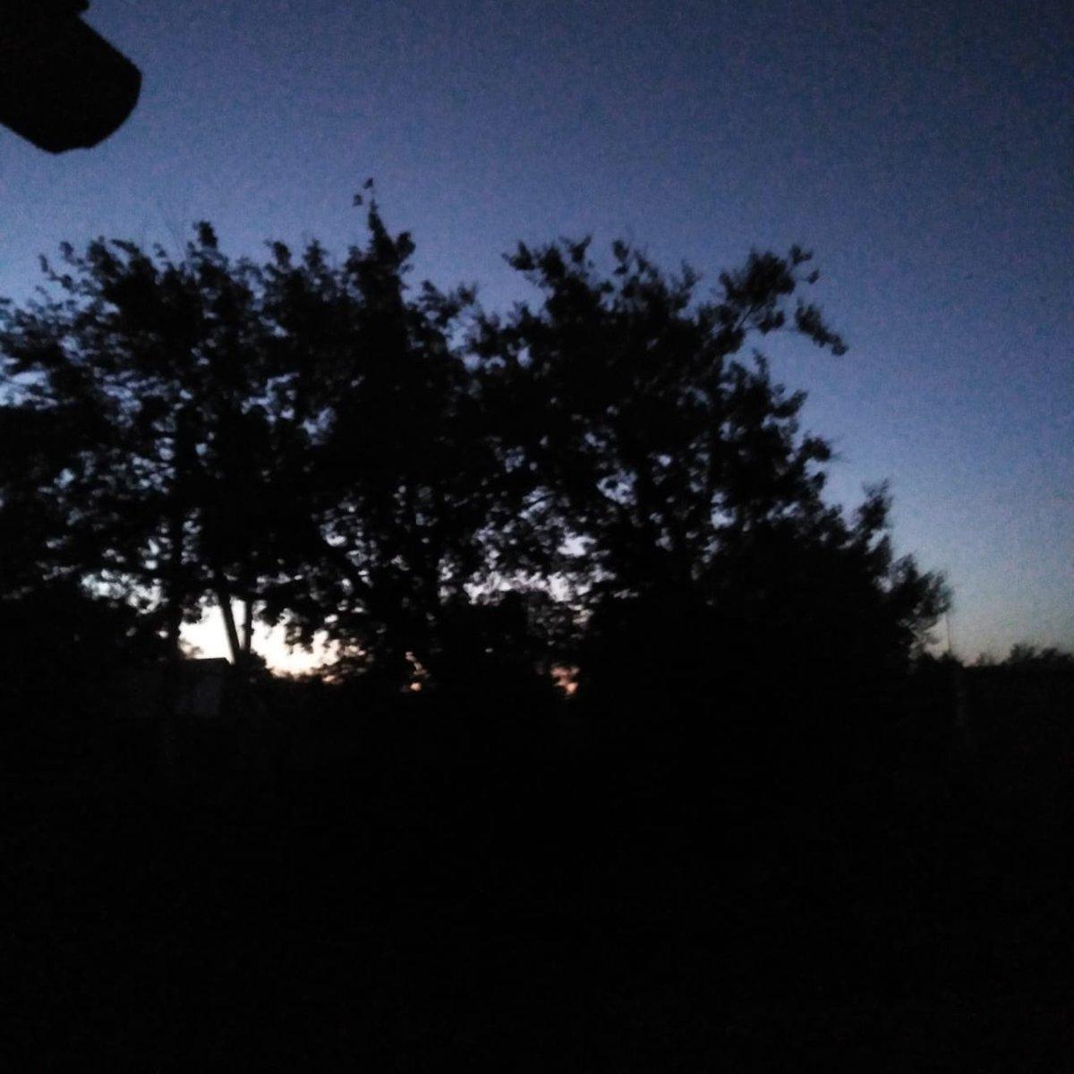 Night. I love night  #night pic.twitter.com/BgIIAgqqaI