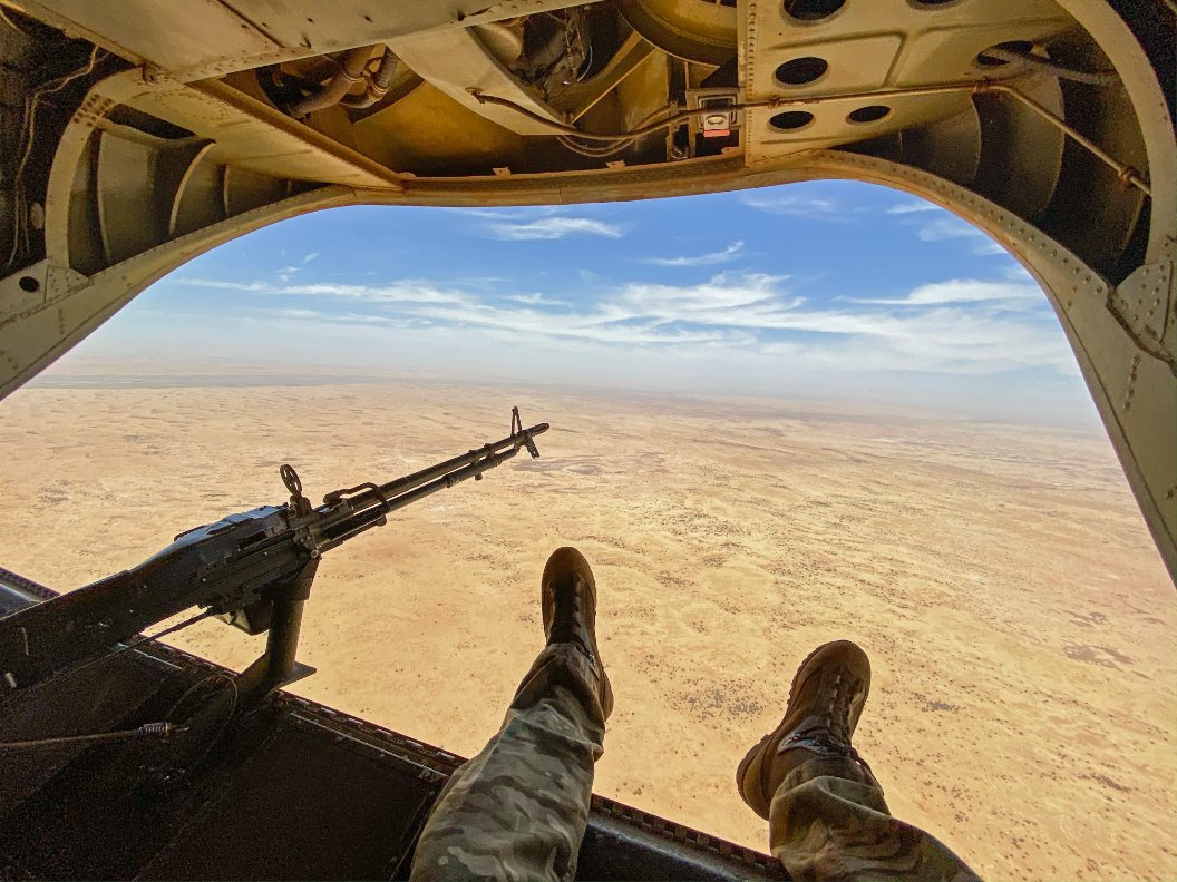 A force of 🇬🇧 @RoyalAirForce Chinooks is currently deployed, in a non-combatant role, in 🇲🇱 Mali on #OpNEWCOMBE. The UK CH47s bring a unique logistical capability in support of the 🇫🇷 French Operation #BARKHANE. https://t.co/XOQfZc8MvN