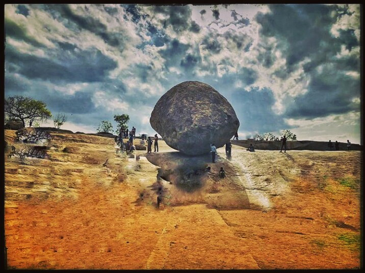 Mysterious 250 ton rock boulder known asKrishna's Butterballis massive 20 feet high, 5 meter wide stand on slippery slope of the hill on less the 4 meter base  Since 1200 yrs it is unmoved by earthquakes, Tsunami and Cyclone. this butterball is giving gravity a competition <br>http://pic.twitter.com/vWmZl9XNce