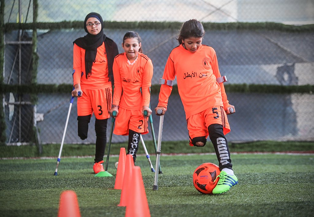 Many of these young Palestinian footballers lost limbs as a result of war. They've finally returned to the pitch after coronavirus restrictions were eased in Gaza ⚽❤️ https://t.co/DT0OId4AMH