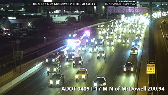 I-17 SB near McDowell Rd: A crash blocking the right lane. #phxtraffic