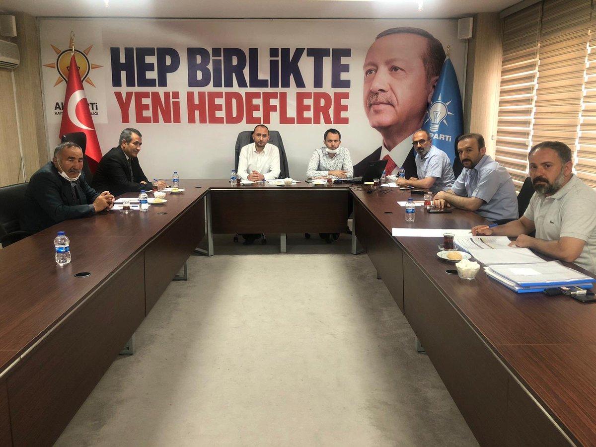 Teşkilatlardan sorumlu Başkan yardımcımız Abdulkerim Yalçın başkanlığında düzenlenen toplantıda İlçe Koordinatörlerimiz, İlçe Başkanımız ve İlçe Teşkilat Başkanımız ile Akkışla İlçemiz hakkında görüşmeler gerçekleştirildi.  @erkankandemir @halisdalkilic @sabancopuroglu https://t.co/NehUNlFNNw
