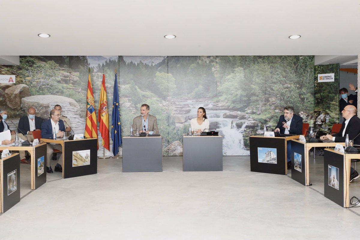 Reunión de los Reyes con representantes del sector turístico en Aragón casareal.es/ES/Actividades…