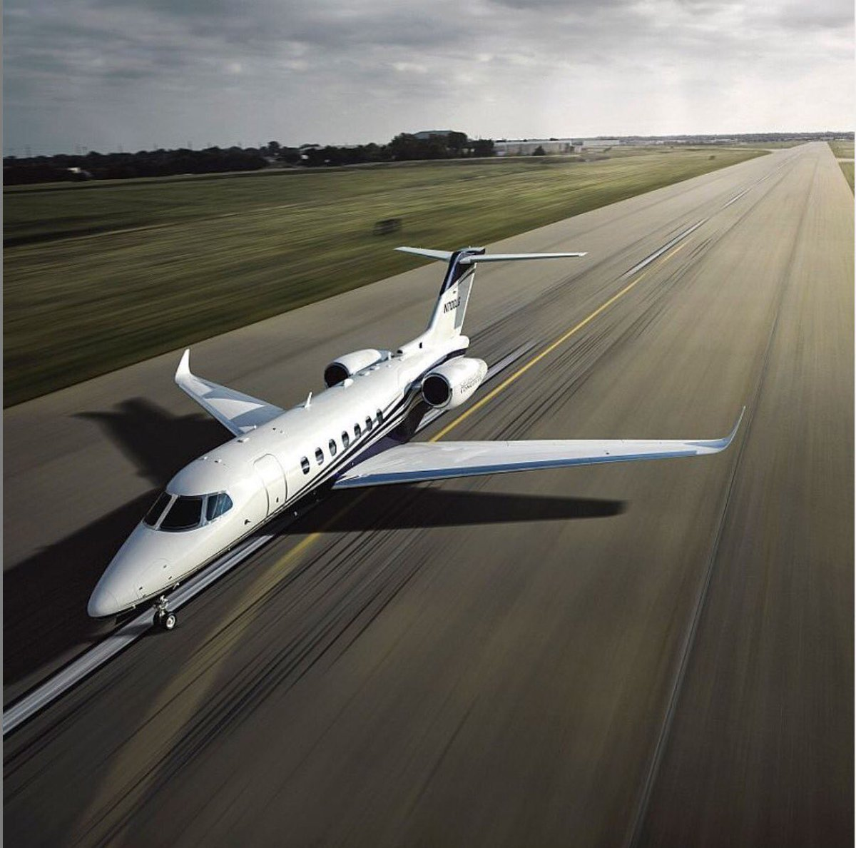 A super-midsize jet with exceptional performance, the @Cessna Citation Longitude flies 8 passengers in #VIP comfort! Planning for a private trip? Reach out to me to travel in absolute comfort on your dream private jet: request@baroqueaviation.com  #privatejet #bizjet https://t.co/xc4eG55AJT