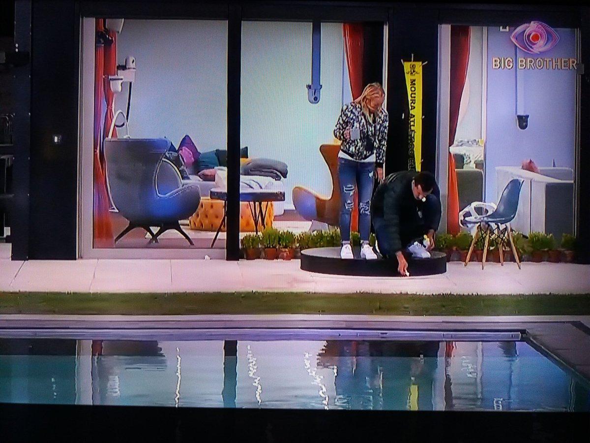 São estas as imagens que a TVI retira da noite de ontem entre a Teresa e o Alves ... #BB2020TVI https://t.co/ziv5OCWutN