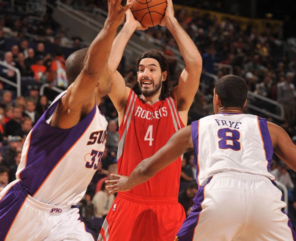 7/15/12 – The Phoenix #Suns won the Houston Rockets' amnesty of 32-year-old F Luis Scola for $4.1M in 2012-13, $4.5M in 2013-14, and $4.9M in 2014-15, although only $440K was guaranteed in year 3. PHX beat out Dallas for Scola who avg'd 15.5p/6.5r/2.1a the year prior. #RisePHX https://t.co/mey6q1Kb6B